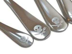 Kinderbesteck mit Gravur, Piraten, Detail