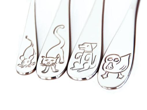 Kinderbesteck mit Gravur, Tierkinder, glänzend, Detail