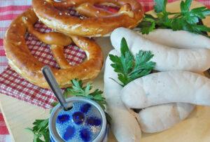 Weißwurst mit Breze - typisch bayrisch - Oktoberfest